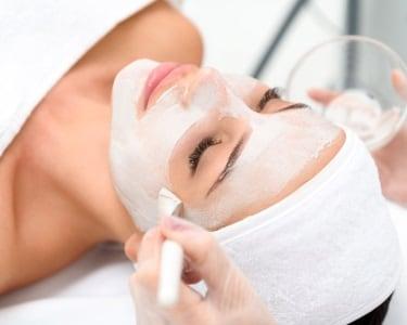 3 Sessões de  Peeling Facial | Clínicas Sorria