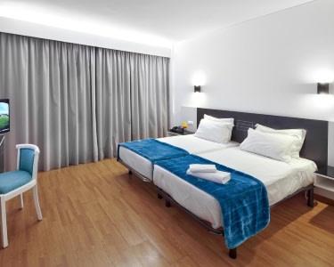 Urban Hotel Amadeos | Estadia de 2 Noites