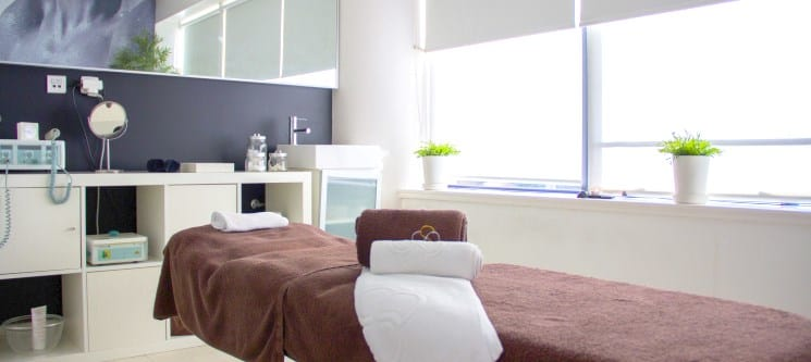 MALO Clinic Beauty Care | Massagem Relax ou Pedras Quentes - 55 ou 90 Min. | Lisboa