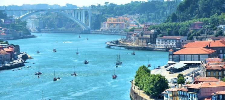 Cruzeiro no Douro em Embarcação Vintage «Mathilda»   1h ou 2h   Até 10 Pessoas