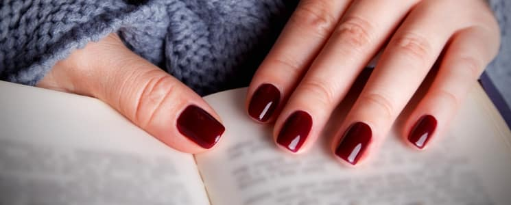 Mãos de Rainha: 2 Sessões de Manicure com Verniz Gel | Oeiras