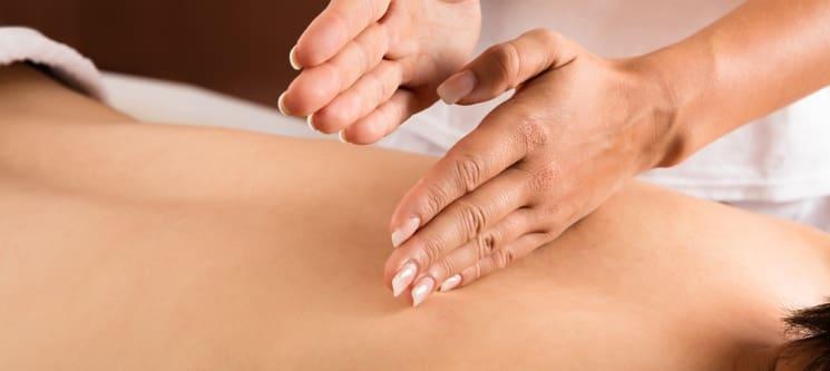 MALO Clinic Beauty Care   Massagem Terapêutica ou Desportiva - 50 ou 90 Min.   Lisboa