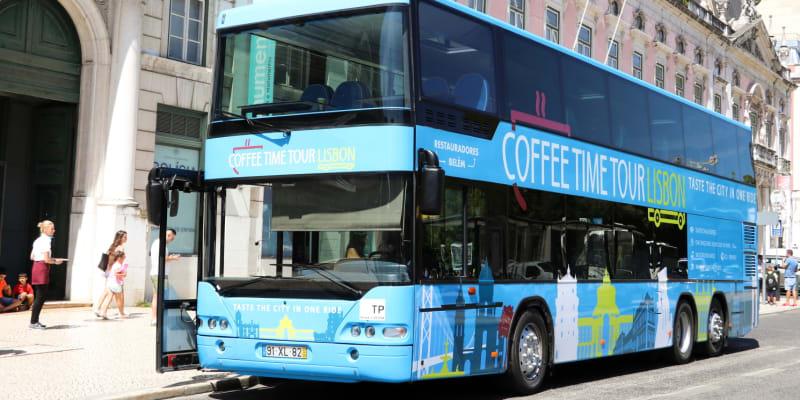 Passeio em Autocarro Panorâmico por Lisboa c/ Doçaria Tradicional | Até 4 Pessoas! Coffee Time Tour