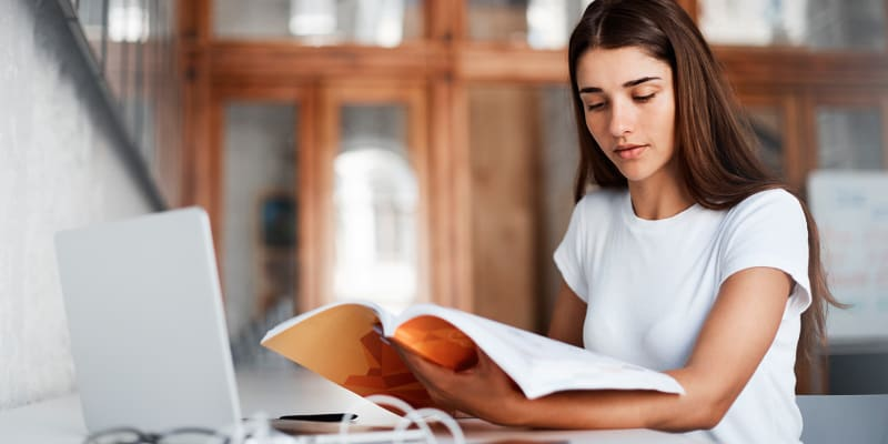 MBA ou Mestrado à Escolha! Ensino E-learning | Escola de Negócios Europeia de Barcelona