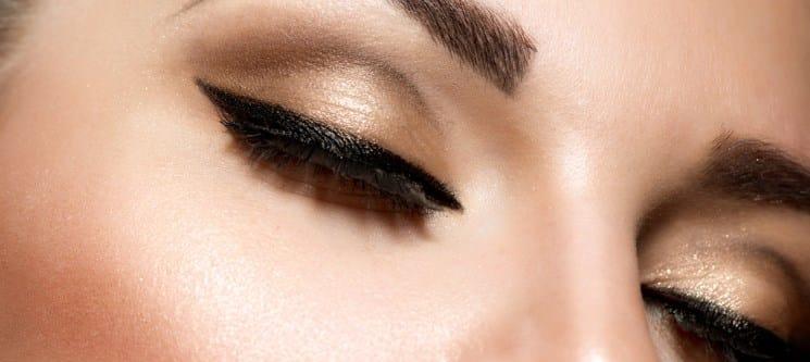 Depilação Facial: Threading de Sobrancelhas & Buço | Telheiras
