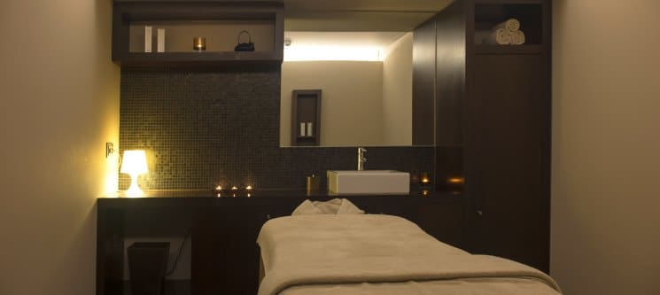 De-Stress Therapy For Him by Holmes Place Spa | 75 Min. | 13 Locais