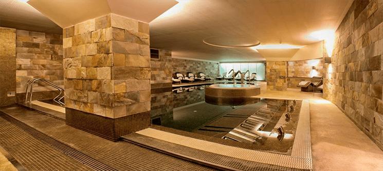 Porto Palácio Spa 5* | Circuito Aqua c/ Hidromassagem, Cromoterapia e Hammam | 1 ou 2 Pessoas