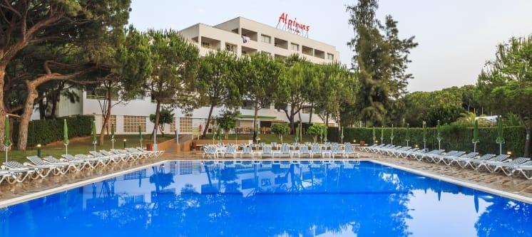 Alpinus Algarve Hotel 4* | 1 a 7 Noites c/ Tudo Incluído em Apartamento Junto ao Mar