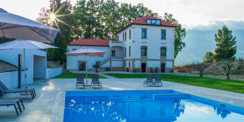 Borralha Guest House - Vila Real   1 ou 2 Noites de Romance no Douro!
