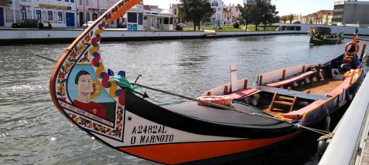 Passeio de Moliceiro ou Mercantel em Aveiro + Visita Guiada às Salinas | 2 Pessoas
