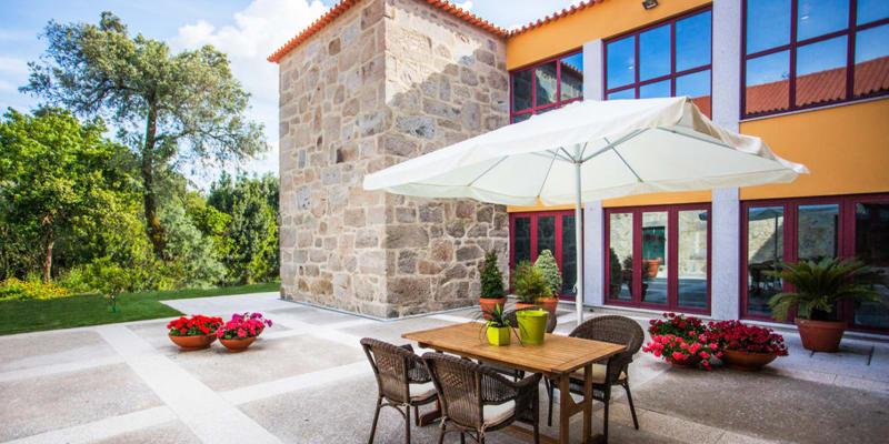 Casa Lata - Amares | Estadia Romântica com Prova de Vinhos