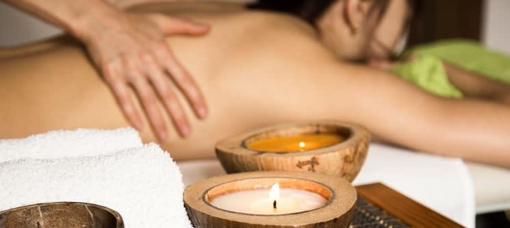 Massagem à Escolha: Relaxamento, Terapêutica, Geotermal ou Velas   1h   Sintra