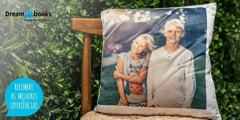 Almofada Personalizável | Sonhos Cor-de-Rosa em Cima de Memórias Inesquecíveis! Dreambooks
