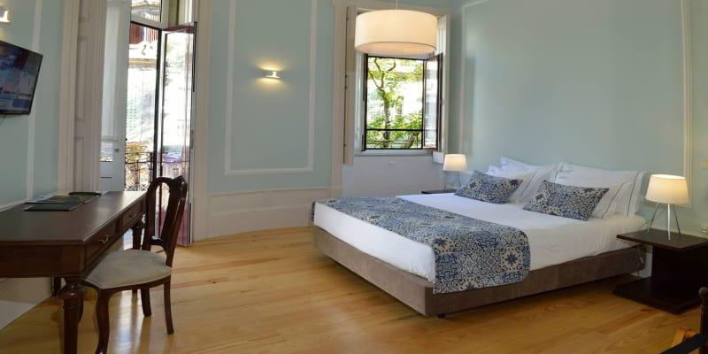 Dukes Corner Guest House - Porto   1 ou 2 Noites na Invicta com Opção Jantar