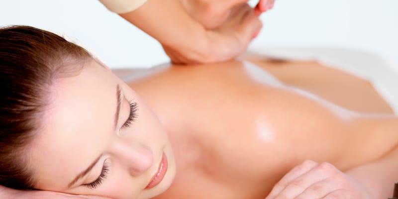 1 ou 3 Sessões de Massagem Terapêutica ou Desportiva | Laranjeiras