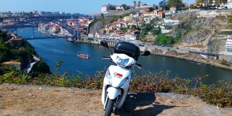 Tour Scooter Lovers by FeelMoto   3 Horas   Porto