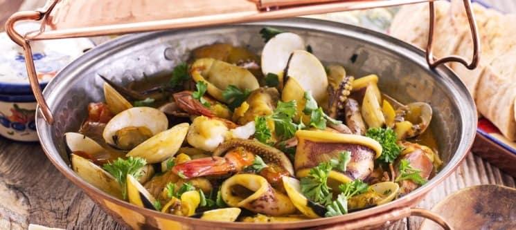Vai uma Cataplana de Marisco ou Peixe? Sete Rios - Garphus Restaurante a Dois