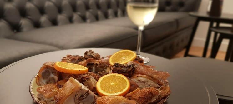 Leitão de Negrais & Vinho para Dois | Afonso dos Leitões Food Store - Belém