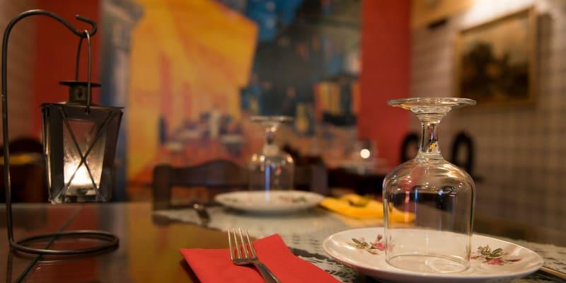 Madragoa Vinhos e Petiscos   Jantar para Dois c/ Garrafa de Vinho no Coração de Lisboa