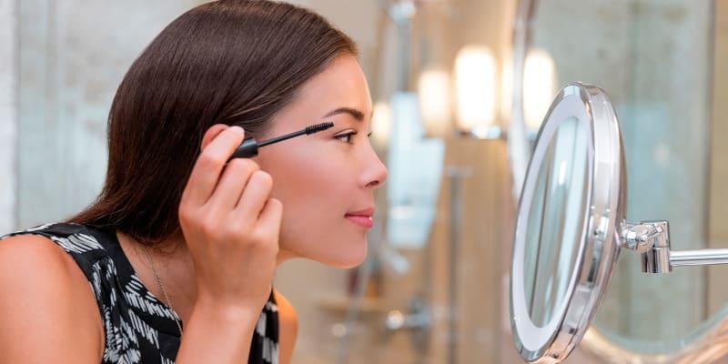 Descubra o Melhor do seu Rosto! Workshop de Auto-Maquilhagem ou Contouring | até 4 Horas | Chiado