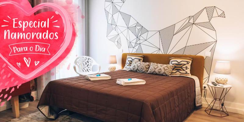 Dia dos Namorados: In Barcelos Hostel & Guest House - Barcelos | Estadia c/ Opção Jantar Romântico & Spa