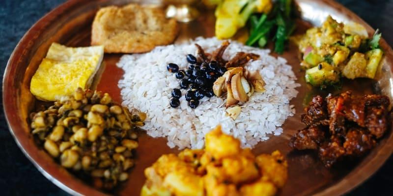 Aula de Culinária Vegetariana Online em Directo | Cozinhas do Mundo – Nepal | Papaia Amor
