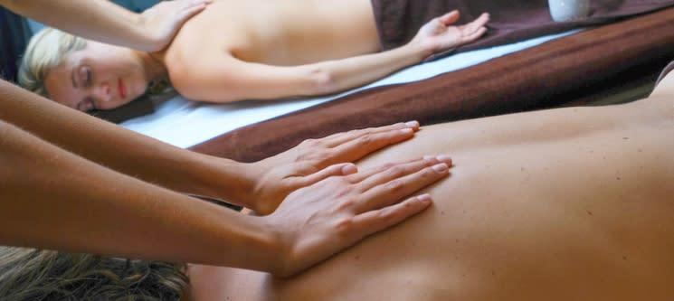 Massagem Relax com Essências ou Geotermal + Ritual de Chá | 2 Pessoas | Sintra