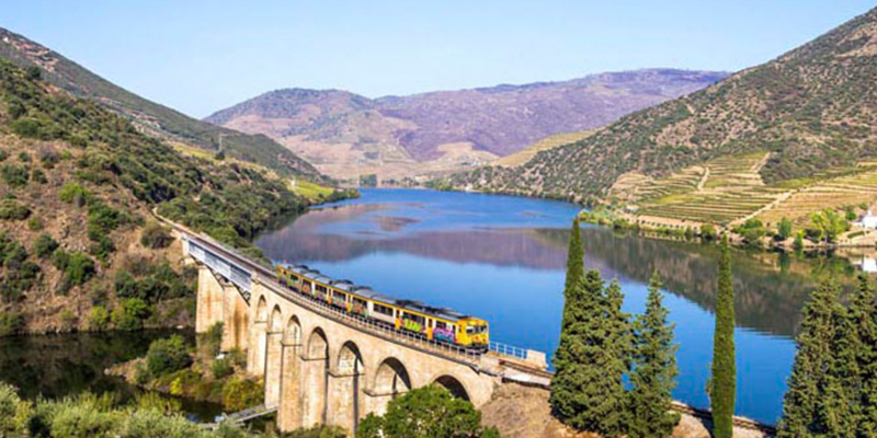 Passeio D´Ouro a Dois | Porto e Régua em Barco e Comboio + Almoço