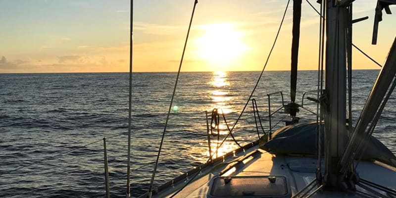 Passeio de Veleiro em exclusivo no Rio Tejo - 3 Horas   Até 8 pessoas   Sail in Lx