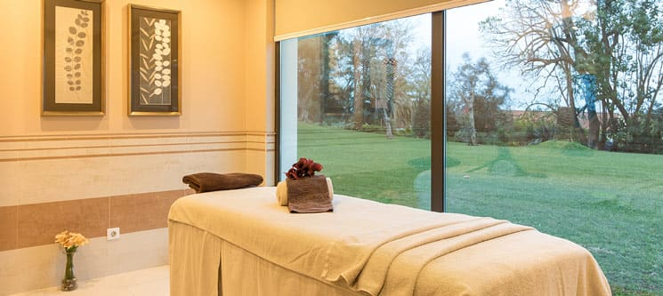 Hidroterapia + Massagem Corporal + Tratamento de Rosto | 3 Satsanga Spa