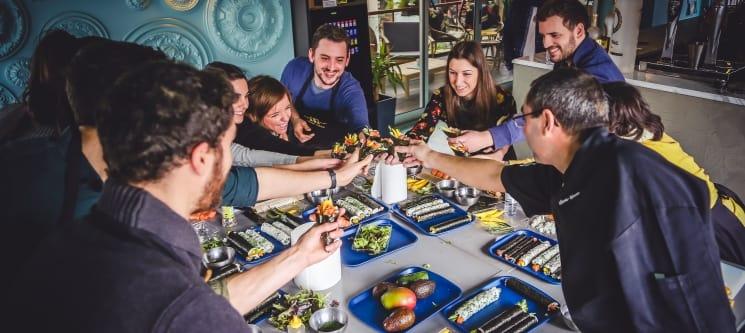 Workshop Sushi Premium Experience - Tudo Incluído | Confecção e Degustação de 30/35 Peças + Certificado e Receitas | 4 Locais
