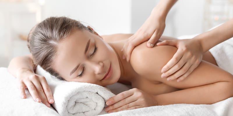 Esfoliação Corporal + Hidratação Corporal Profunda + Massagem de Relaxamento - 1 Hora | Odivelas