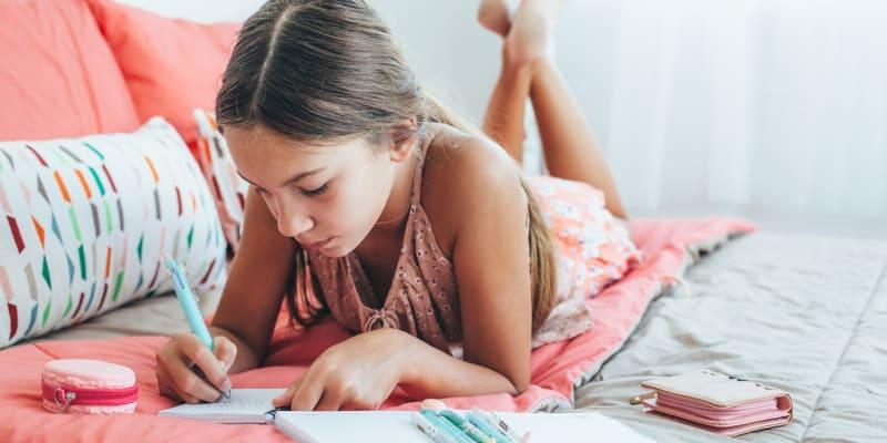 Aula de Língua Portuguesa com Rimas e Destrava Línguas 10-14 Anos Online em Directo - 1h   Fame