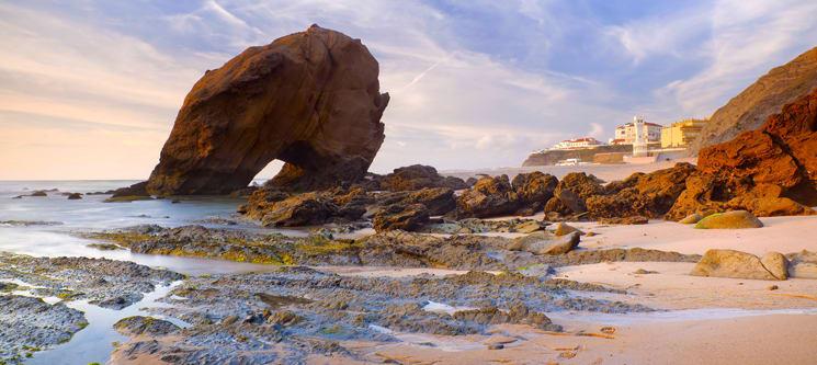 Surfcamp 360 - Santa Cruz | 1 ou 2 Noites em Bungalow Junto à Praia c/ Opção de Aula de Surf!