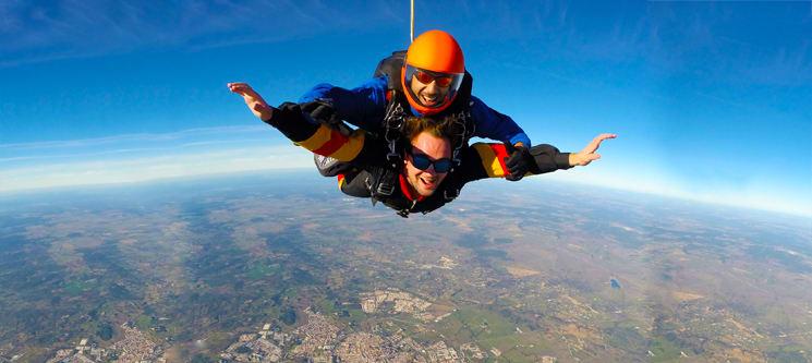 Salto Tandem | Skydive em Évora a 3000m de Altitude | Dê Aventura à sua Vida!