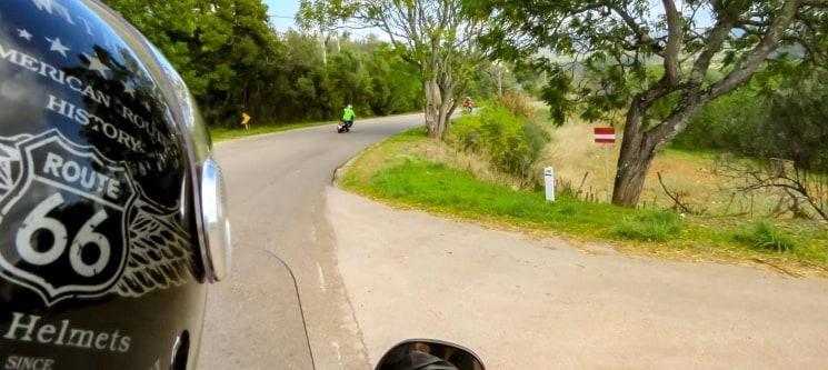 Passeio de Scooter a Dois c/ GPS | Entre o Barrocal e a Serra do Caldeirão - Algarve