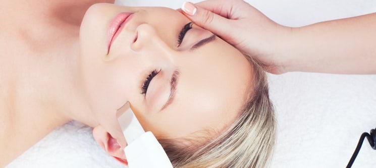 Limpeza de Pele! Peeling Ultrassónico ou Extracção com Massagem | BeClinic Gondomar