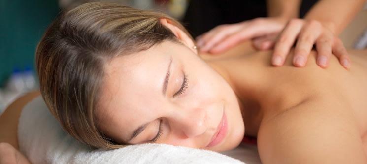 Relax Corpo Inteiro! Massagem Aromática, Adelgaçante ou Shiatsu   1 Hora   Matosinhos