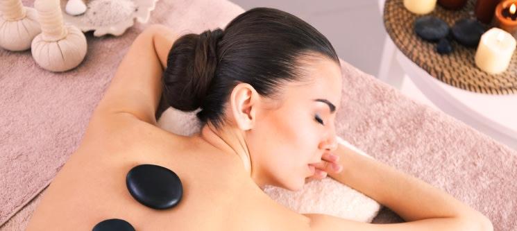 Relax Perfeito! Massagem de Pedras Quentes | 30 Min. | 3 Locais
