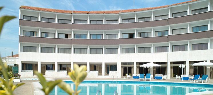 Hotel Meia Lua - Ovar |  1 ou 2 Noites Românticas c/ Opção de Jantar
