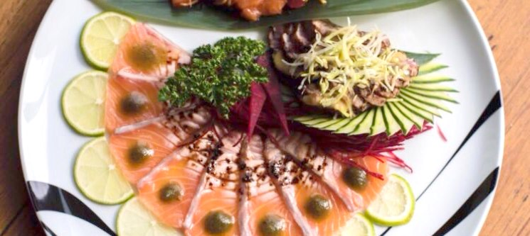 Sushi & Temaki Vista Mar - Combinado para Dois c/ Bebidas | Pé na Poça Sushi Lounge | Estoril