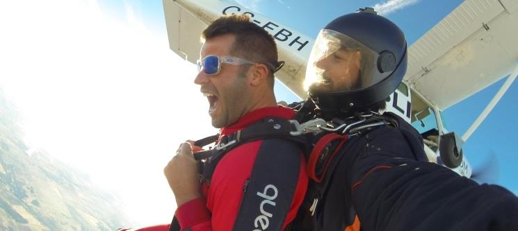 Salto Tandem de 3000m c/ Skydive Europe | Máxima Adrenalina no Alentejo