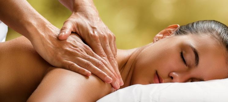 Momento de Bem-Estar | Massagem à Escolha: Relax, Velas, Aroma, Pedras ou Terapêutica | Alameda