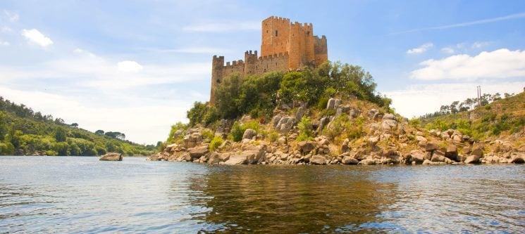 As Maravilhas do Tejo - 1h30 | Passeio c/ Visita Guiada ao Castelo de Almourol a Dois!