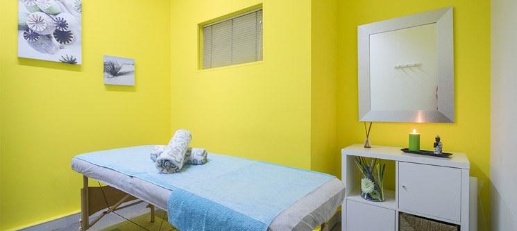 3 ou 5 Massagens à Escolha: Velas, Geotermal, Shiatsu, Modeladora | Porto
