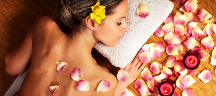 Massagem Corporal Relaxante c/ Limpeza de Pele & Chá | 1H30 | Maria Bonita