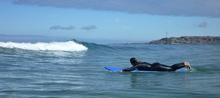 Aula com a UpRise Surf School | 1 ou 2 Pessoas | As Melhores Ondas estão em Peniche!