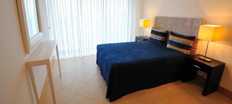 Apartamentos Oceano Atlântico 4* - Praia da Rocha   Férias em Família em T1