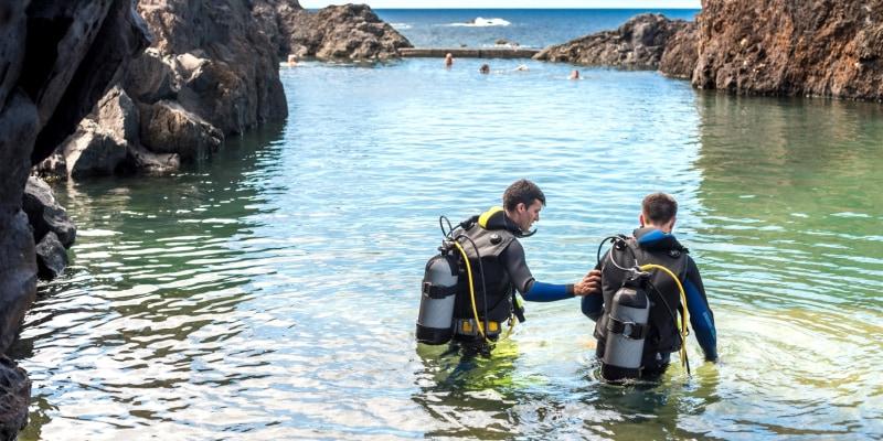 Baptismo de Mergulhonas Piscinas Naturais de Porto Moniz - Madeira   1 ou 2 Pessoas