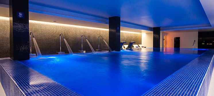 BLU SPA | Momento Premium a Dois c/ Circuito Thermal e Opção Foot Massage | Lisboa